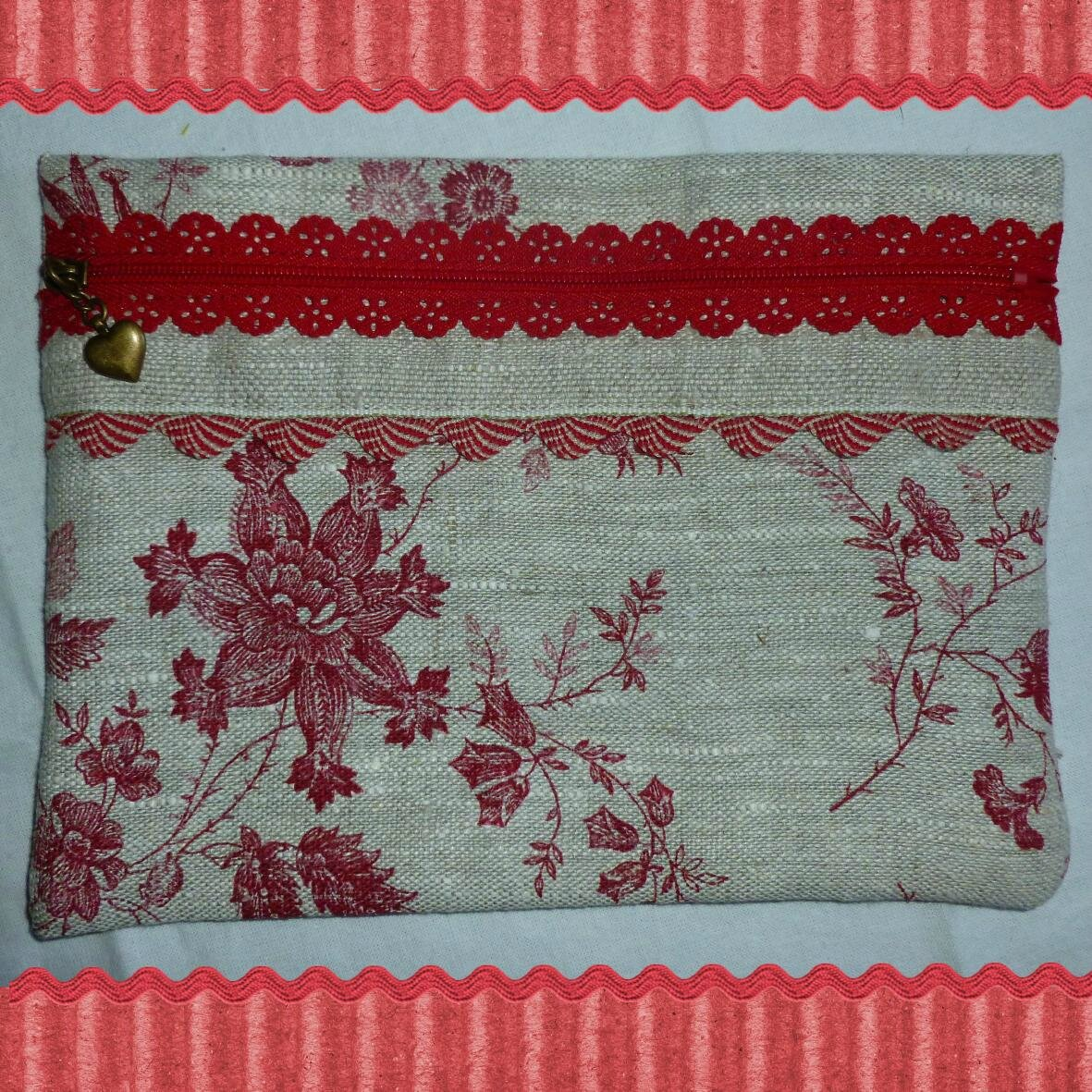 COUTURE_TROUSSE_ROUGE