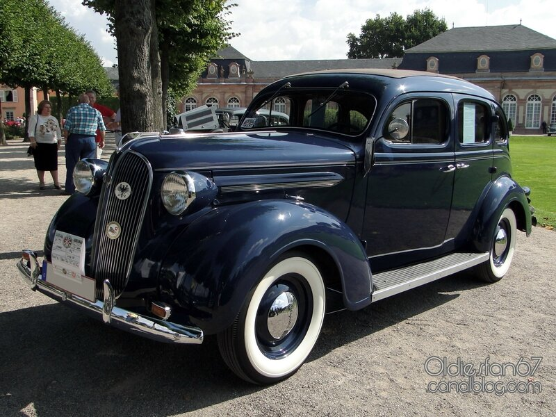 chrysler-p6-4door-sedan-1937-1