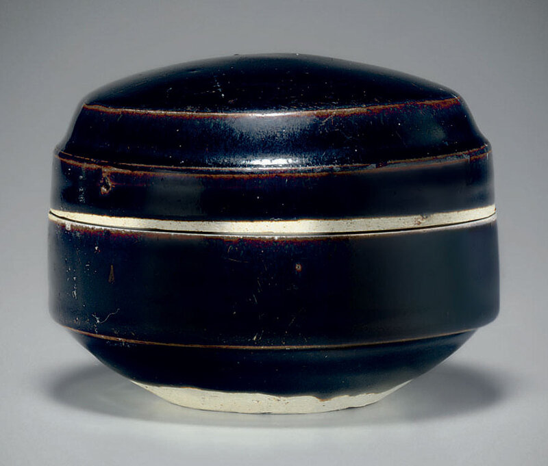 A brownish-black-glazed Cizhou-type box and cover, 11th-12th century