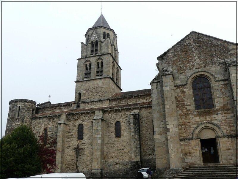 P1150541Uzerche cathédrale st