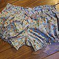 Culotte en coton bleu buvard à petites fleurs roses et noeud à carreaux - taille S