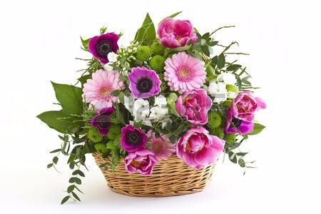 12519731-colorful-flowers-in-a-basket