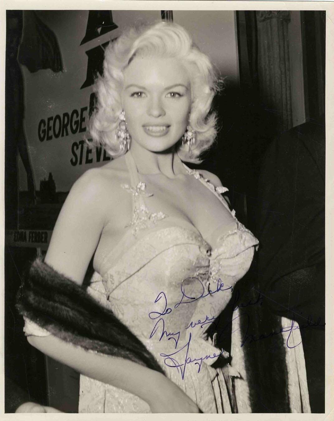 jayne-1956-10-10-ny-premiere_giant-2