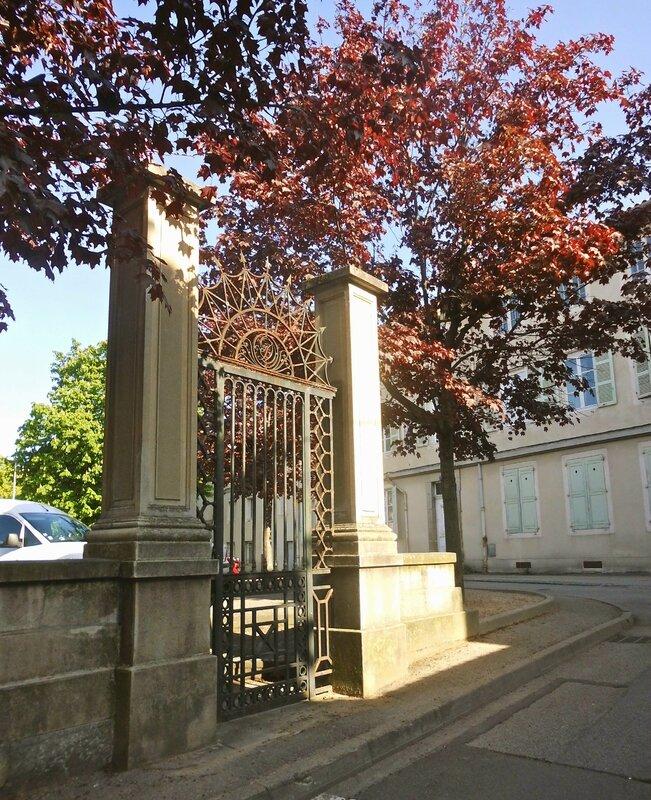 vestiges portail (2)