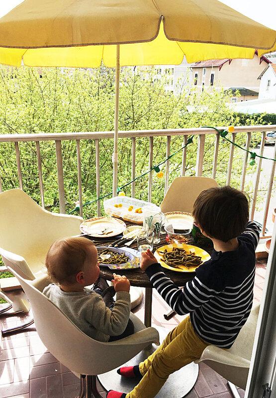 repas-printemps-terrasse-barbecue-enfants-ma-rue-bric-a-brac