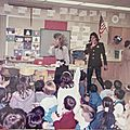 Michael jackson se rend à la cleveland elementary school de stockton (californie), le 7 février 1989