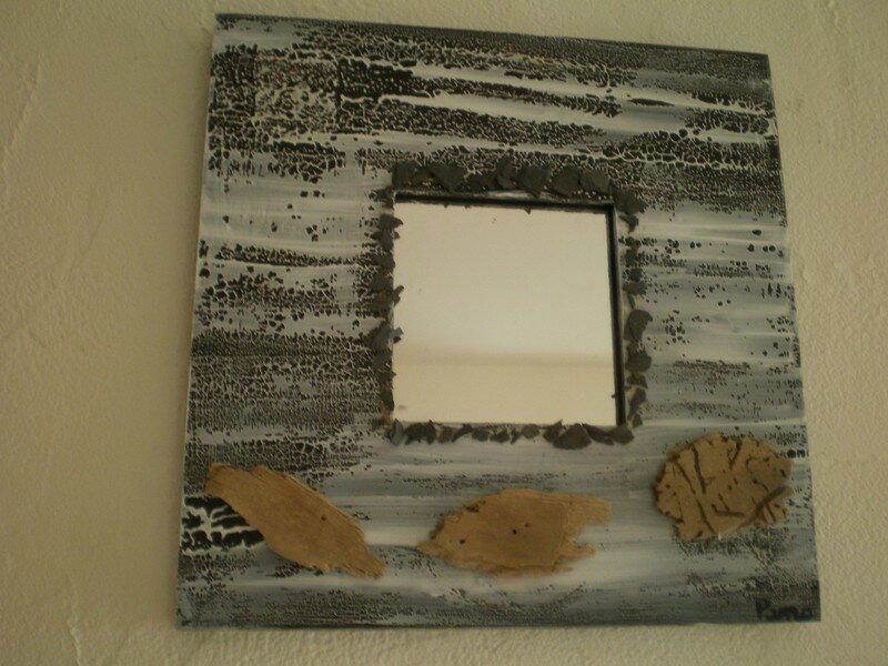 miroir 10/10 cadre 26/26 peinture marron et blanche, ardoise et