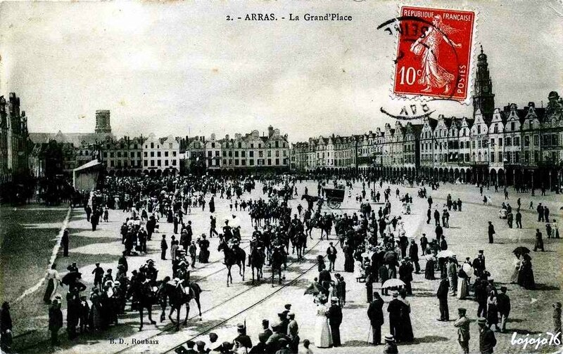 1402245377-62-Arras-Grand-Place