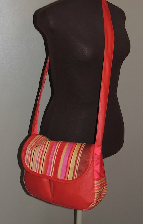 SAC MADE IN CHINA ROUGE JUIN14