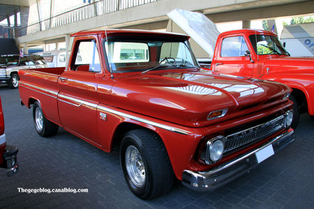 Chevrolet_C10_pick_up__1960_1966__RegioMotoClassica_2010__01
