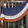 Mamie-Thé tricote...