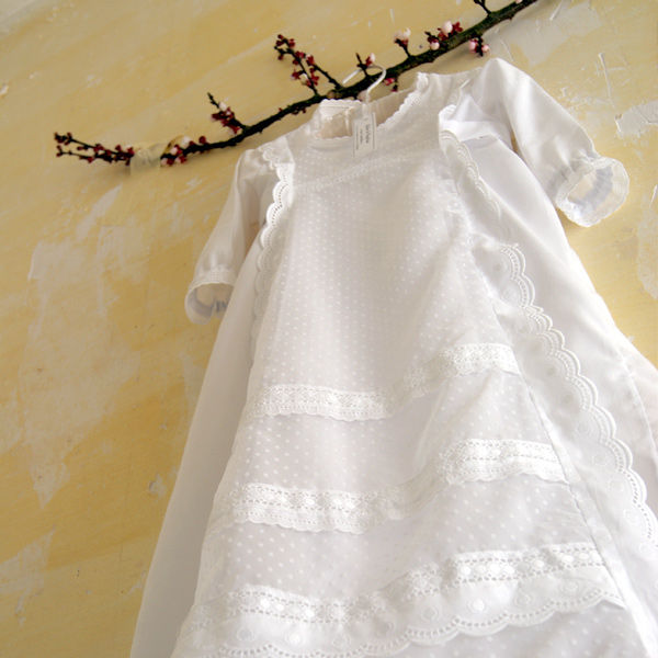 e829f8d96d4e5 tante menoue robe bapteme plumeti tante menoue robe bapteme 1  tante menoue robe bapteme 2 tante menoue robe bapteme 3