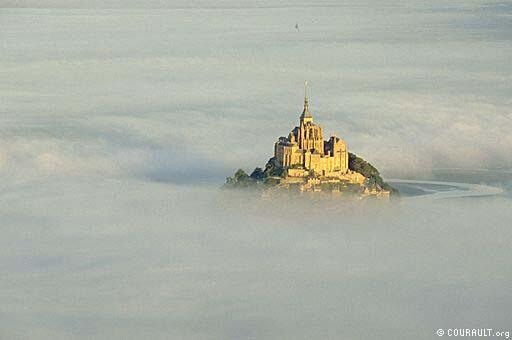 8 Mt St Michel brume