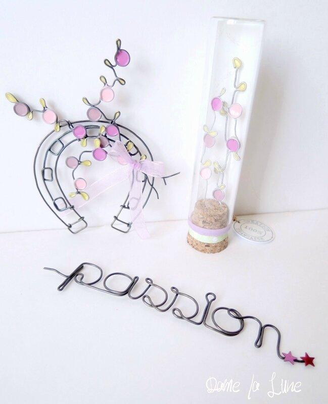 fer à cheval_passion mot en fil de fer_ tube à essai_ fil de fer_passion__fil de fer_creation originale_creation sur mesure_dame la lune_cheval
