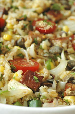 Salade 5 céréales, maïs, tomate, tofu et pesto_2