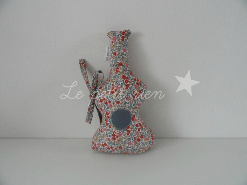 Déco mini guitare grelot en Liberty