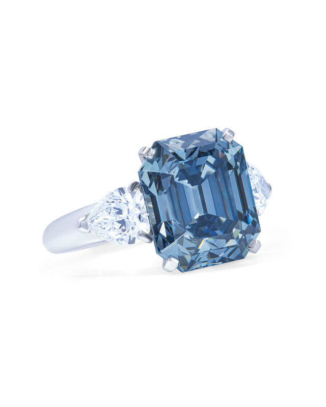 2019_GNV_17436_0246_000(exceptional_coloured_diamond_and_diamond_ring_moussaieff)