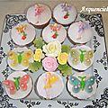 Cupcakes féériques fées papillons fleurs dessus