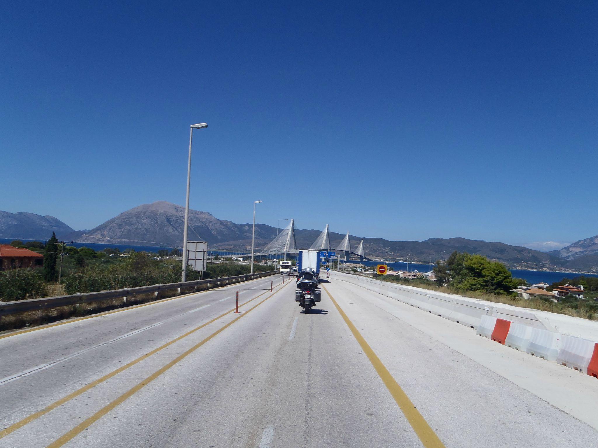 grece pont d'antirion en approche