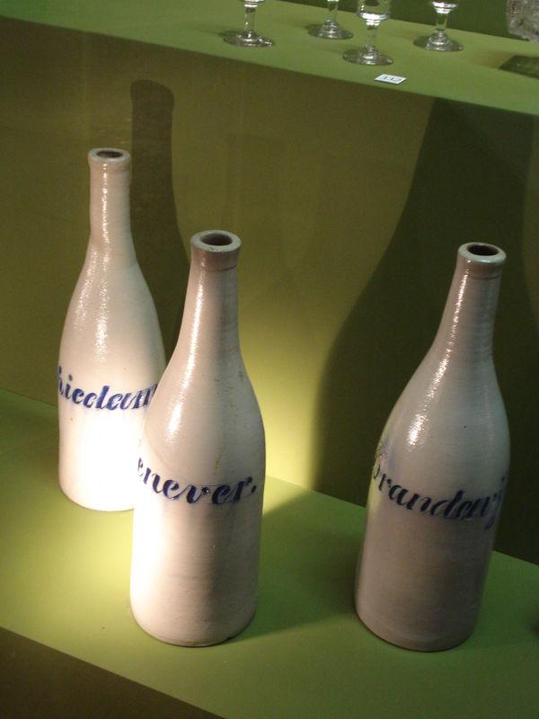 bouteilles anciennes pour le genièvre