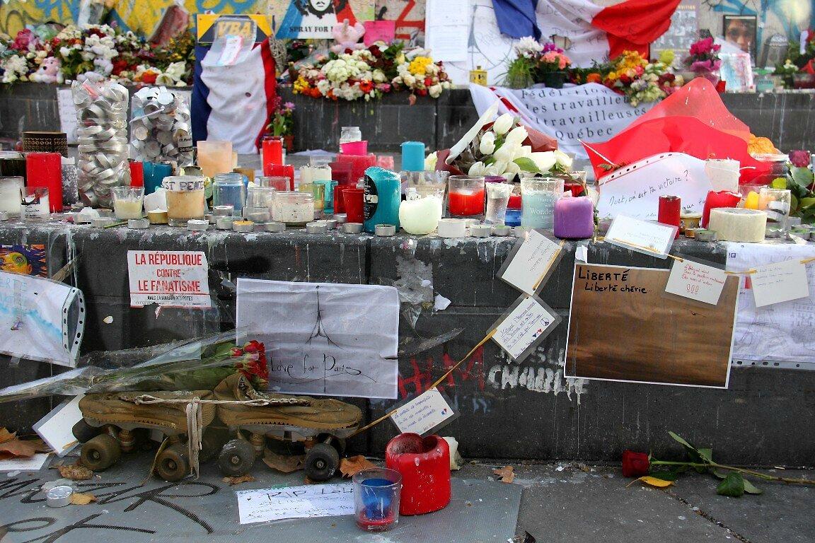 Hommage attentats Répu 13-11-15_6301