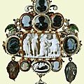 Pendant with thirteen cameos. early 17th cent.