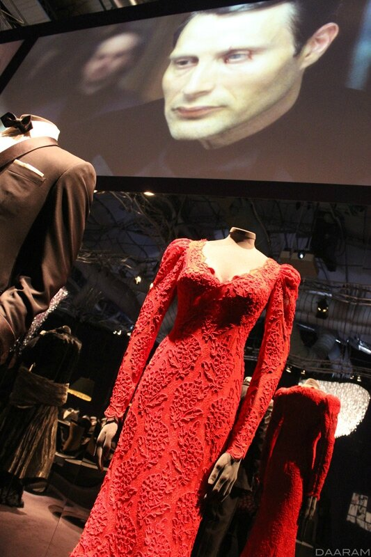 Lupe Lamora's dress created by Oscar de La Renta. « Licence to Kill » 1989. In the background, on the screen: « Le Chiffre » played by Mads Mikkelsen in « Casino Royale » 2006. Photo: Olivier Daaram Jollant © 2016