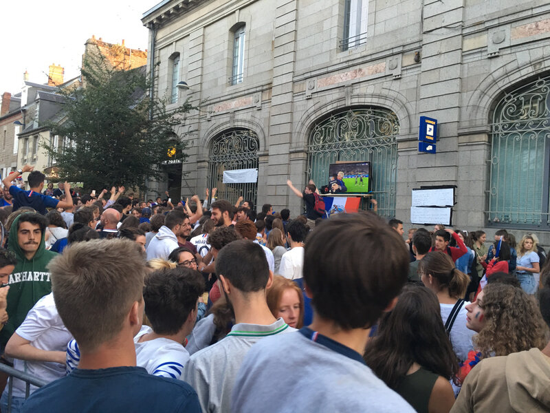 Avranches_place Saint-Gervais_la Poste_demi-finale_coupe du monde_football_France_Belgique_ambiance_2018