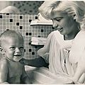 jayne-1959-08-10-with_miklos-1