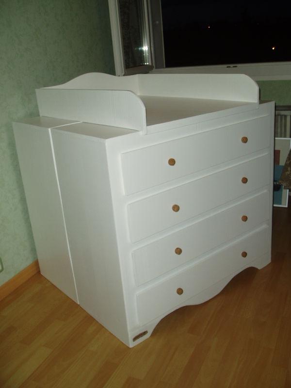 Une Table A Langer En Carton Mobilier En Carton Et Palettes En
