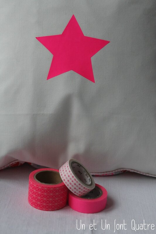 Coussin star fluo (3)