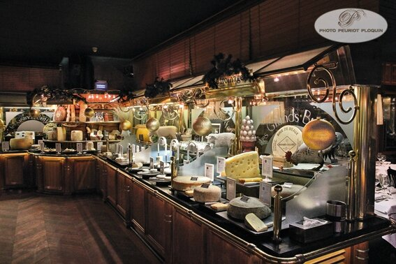 LES_GRANDS_BUFFETS_a_NARBONNE_buffets_des_fromages__