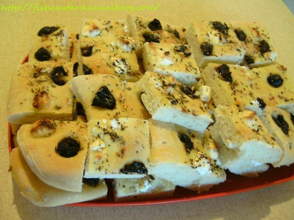 Foccacia olives noires feta basilic (3)