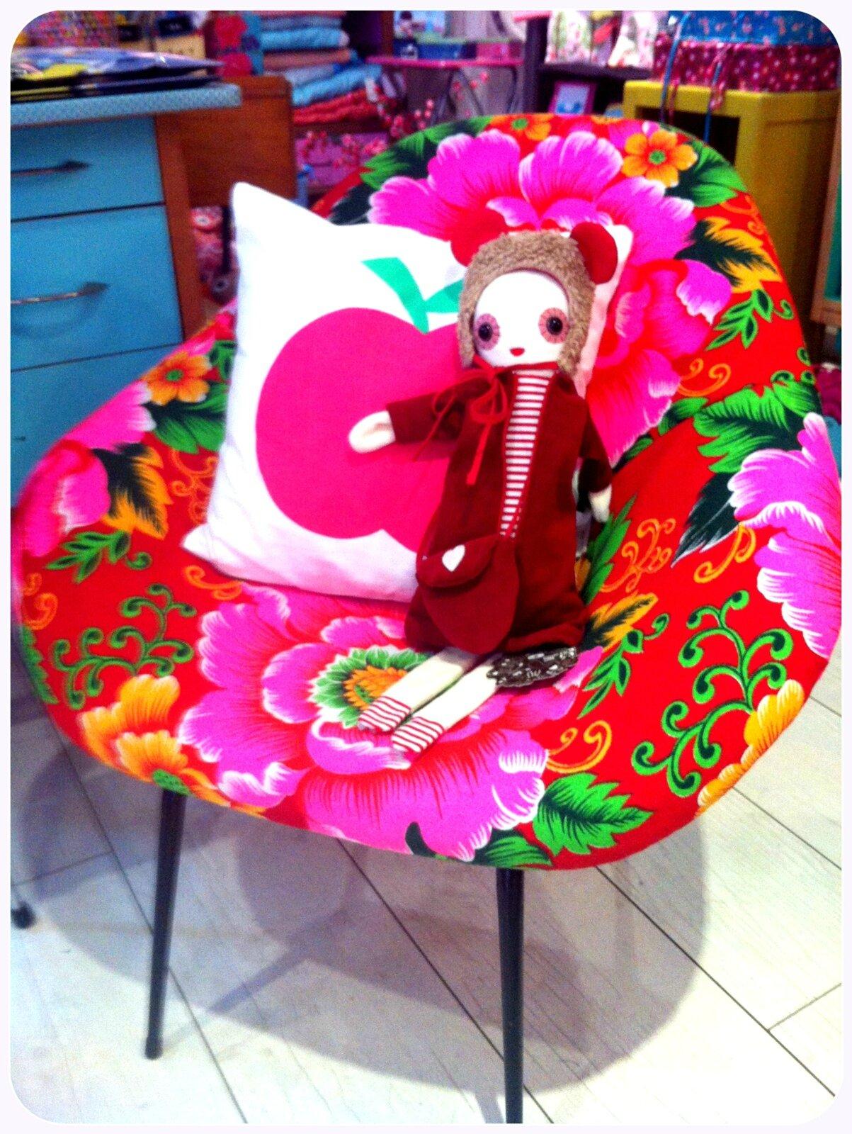 fauteuil aux pivoines