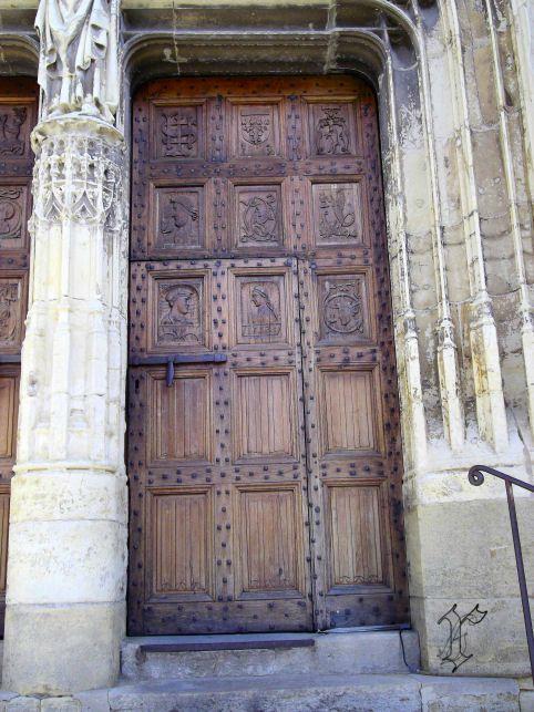12_St Come d'Olt_église XIII_porte sculptée renaissance