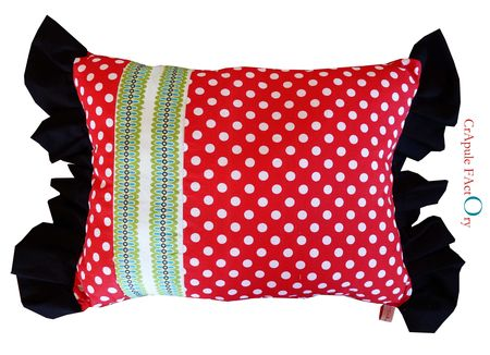 coussin_rouge___pois_et_spych_
