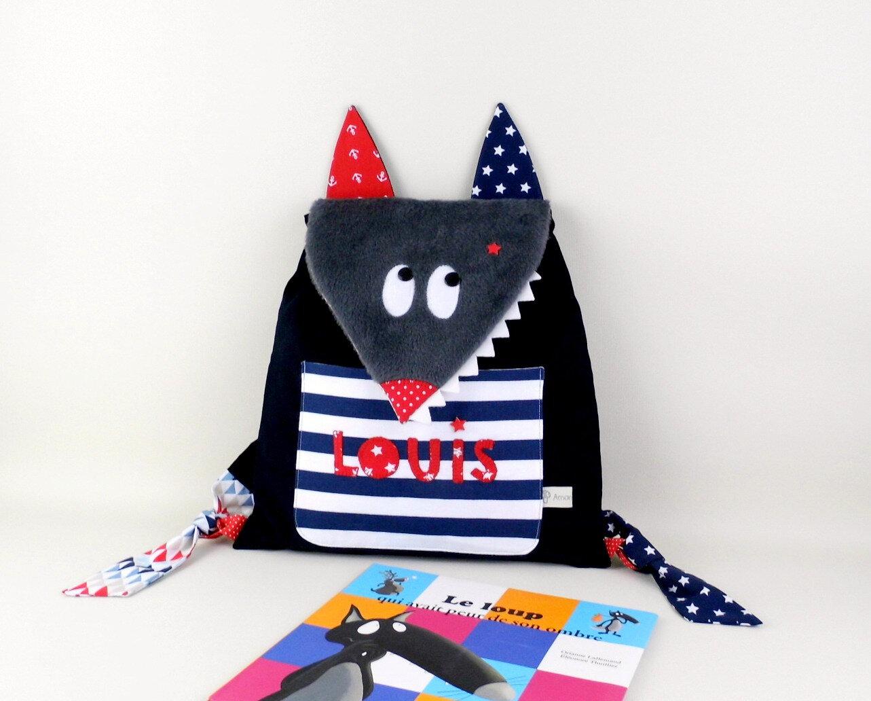 Sac personnalisé prénom Louis sac à dos école maternelle crèche loup style marin bleu marine rouge