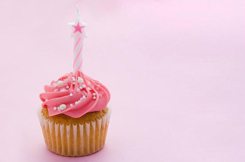 4-birthday-cupcake-ruth-black1