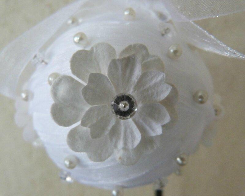 Boule Noël ruban organza fleurs papier (11)