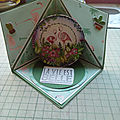 Cartes triangle pop up