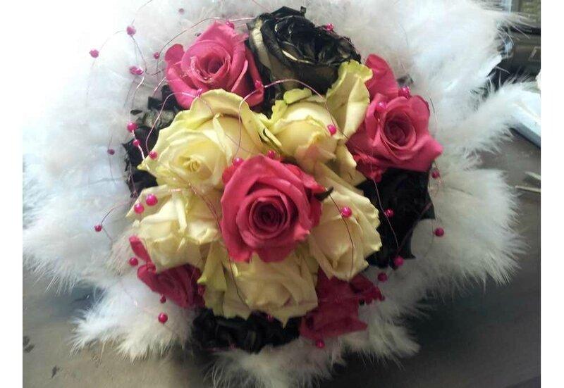bouquet de mariée plumes et roses