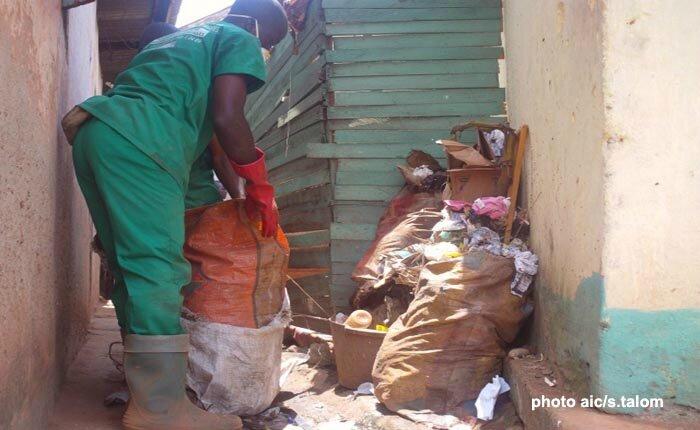 Collecte des ordures auprs des menages