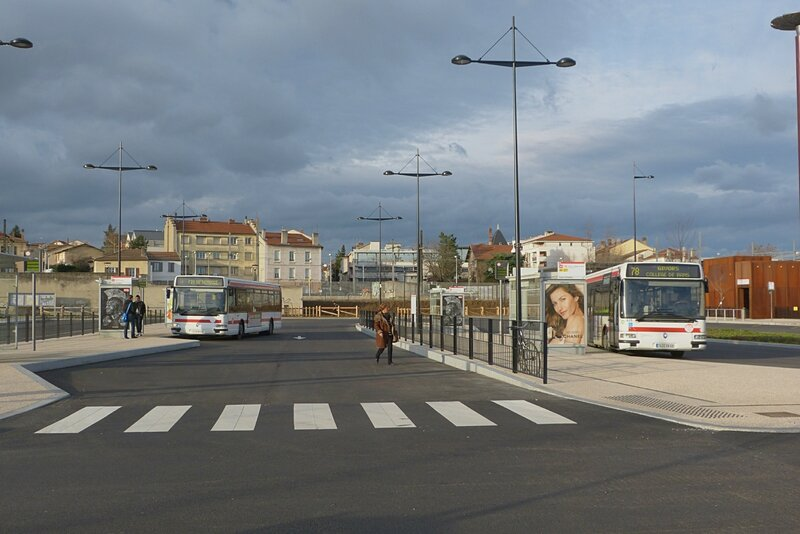 241213_pole-bus-oullins2