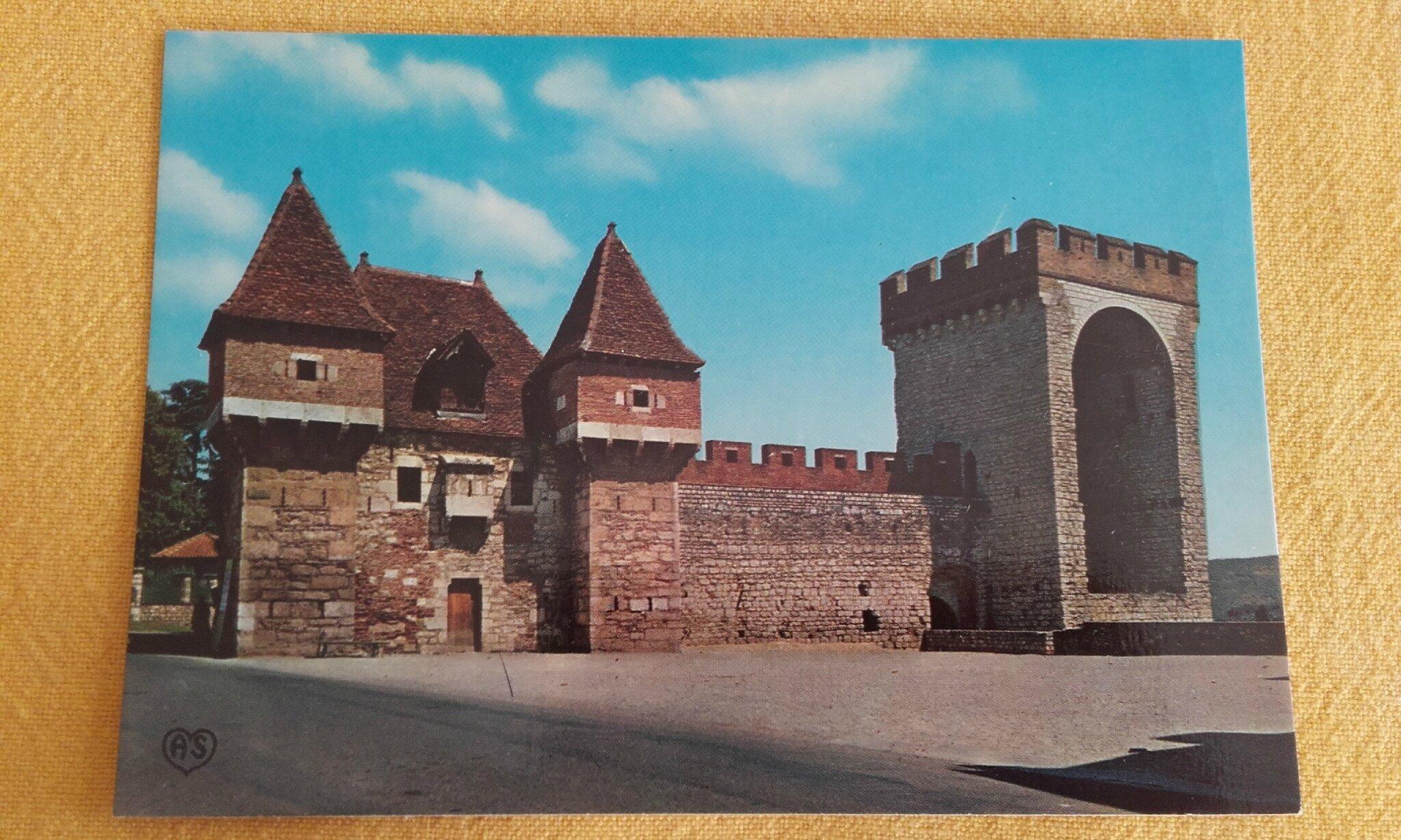 Cahors - la barbacane et la tour des pendus