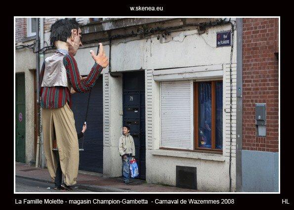 FamilleMolette-magasinChampion-Carnaval2008-073