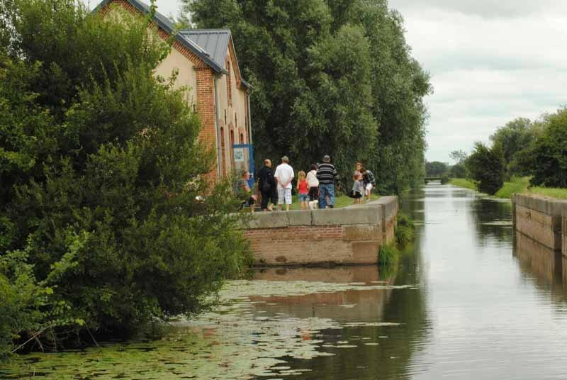 2013-La-Rosee-du-Soleil-Maison-ormes-canal-Vire-et-Taute