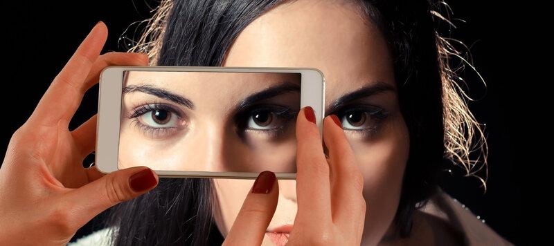 smartphone-mobile-hand-screen-person-girl