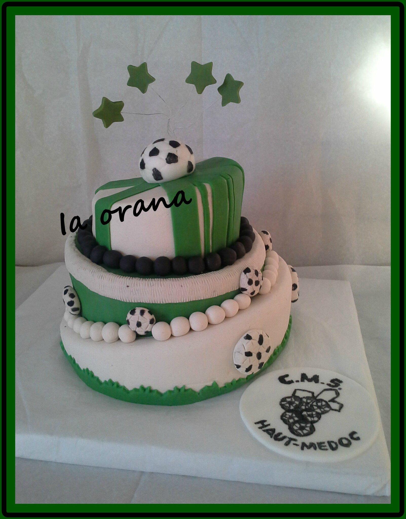 Gâteau Topsy Turvy football / Topsy Turvy football cake