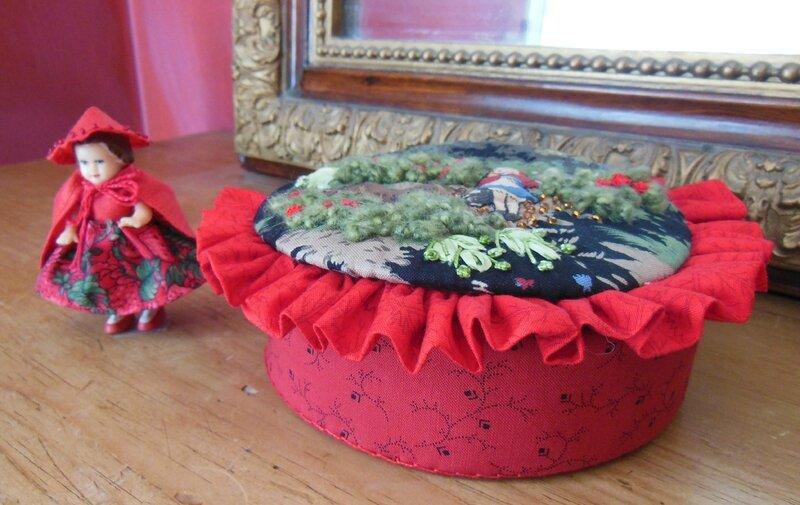 Boîte petit chaperon rouge (2)