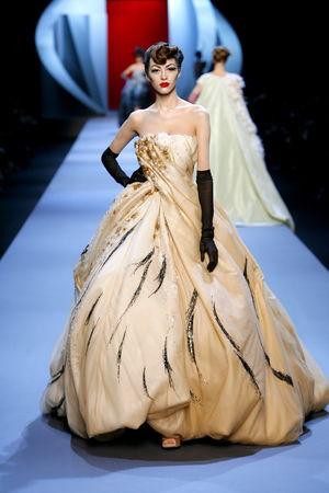 women_Dior_HC_SS2011_Look_29